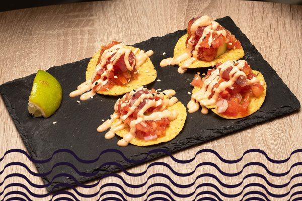 Tostas mexicanas de atún rojo y lima