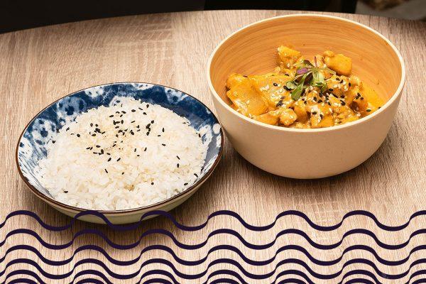 Arroz al curry tailandés de langostinos de río al coco