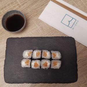 Maki salmón y queso MACAO