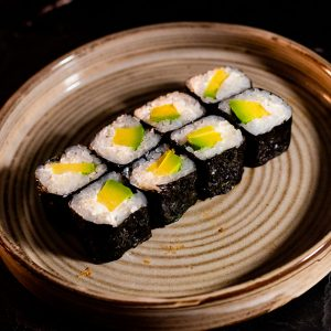 Makis Aguacate Queso MACAO